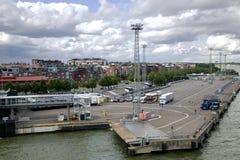 Moorage för en färja i storslagen marina Royaltyfria Foton