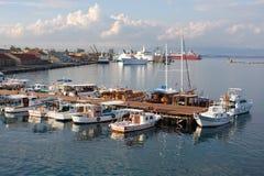 Moorage im Kanal von Famagusta Stockfotografie