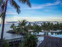 Moorea海岛看法从洲际的手段和温泉旅馆的在帕皮提,塔希提岛,法属玻里尼西亚 库存图片