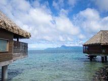 Moorea海岛看法从洲际的手段和温泉旅馆的在帕皮提,塔希提岛,法属玻里尼西亚 免版税库存照片
