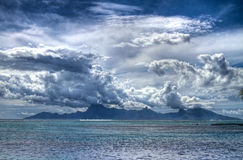 Moorea attrae le nubi Fotografia Stock