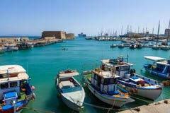Moored渔船在海口 免版税图库摄影