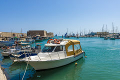 Moored渔船在海口 免版税库存图片