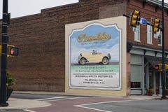 MOORESVILLE, NC 19 maggio 2018: Franklin Automobile Company Mural fotografie stock