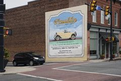 MOORESVILLE, NC 19. Mai 2018: Franklin Automobile Company Mural stockfotos