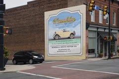 MOORESVILLE, 19 NC-Mei, 2018: Franklin Automobile Company Mural stock foto's