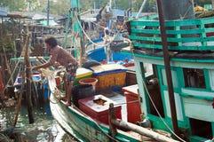 Mooring the boat Royalty Free Stock Photo