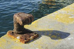 Mooring post at the dock royalty free stock images