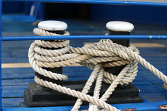 Mooring rope with a knotted Royalty Free Stock Images