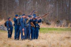 MOORPARK, США - 18-ОЕ АПРЕЛЯ 2018: Голубой и серый Reenactment гражданской войны в Moorpark, CA самое большое сражение Стоковые Фотографии RF