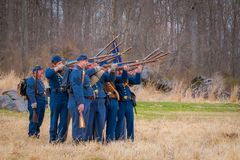 MOORPARK, США - 18-ОЕ АПРЕЛЯ 2018: Голубой и серый Reenactment гражданской войны в Moorpark, CA самое большое сражение Стоковое фото RF