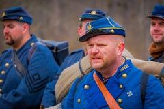MOORPARK, США - 18-ОЕ АПРЕЛЯ 2018: Портрет формы человека нося представляя Reenactment гражданской войны в Moorpark, Стоковая Фотография RF