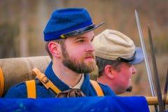 MOORPARK, CA, США 18-ОЕ АПРЕЛЯ 2018: Портрет человека с голубой формой во время Reenactment гражданской войны в Moorpark, CA Стоковые Изображения