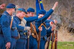MOORPARK, LOS E.E.U.U. - ABRIL, 18, 2018: El azul y Gray Civil War Reenactment en Moorpark, CA es la batalla más grande Fotos de archivo