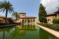 Moorse architectuur in Alhambra Palaces, Spanje stock foto's