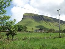 Moosiger Berg in West-Irland Stockbilder