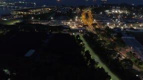 Ночь воздушное Mooving Сингапура, который нужно перенести r Коммерчески порт Сингапура акции видеоматериалы