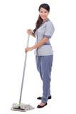 Mop женщины горничной чистки пол стоковая фотография rf