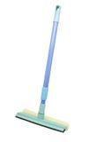 Mop con la ruspa spianatrice per le finestre di pulizia immagine stock libera da diritti