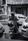 Moped-Fahrer stockbild