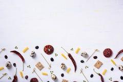 Moquerie de nourriture vers le haut du menu, faisant cuire le cadre d'ingrédients Fond de marché de gastronomie Configuration pla photo stock