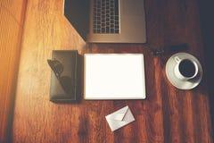 Moquerie de vue supérieure des accessoires d'homme d'affaires et des outils de luxe de travail Image libre de droits