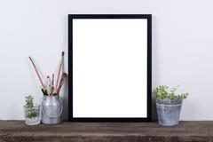 Moquerie vide de cadre de photo de style scandinave  Décor à la maison minimal Image libre de droits