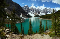 Morän sjö i den Banff nationalparken, Alberta, Kanada Fotografering för Bildbyråer