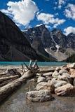 Morän sjö i Rocky Mountains Arkivfoton
