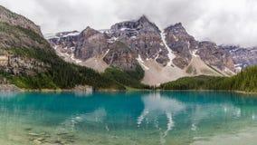 Morän sjöBanff nationalpark, Alberta, Kanada Royaltyfria Bilder