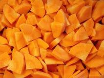 Morötter saftigt, nytt som skivas, bakgrund Arkivfoton