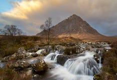 MOR de Buachaille Etive en Escocia fotos de archivo libres de regalías