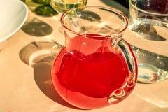 MOR rusos tradicionales de la bebida de la baya o smoothie Imagen de archivo libre de regalías