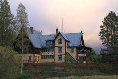 MORA, SUECIA - 21 DE SEPTIEMBRE DE 2015: Vista trasera de Zorngarden en Mora, Suecia Mientras que era hogar del pintor sueco Ande Fotos de archivo libres de regalías