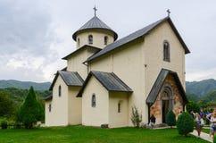 Moraca kloster, kyrka av antagandet av vår dam, Monteneg Royaltyfri Foto
