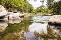 Morada gör solenoid-vattenfallet i chapada gör veadeiros royaltyfria bilder