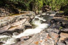 Morada gör solenoid-vattenfallet i chapada gör veadeiros arkivfoton