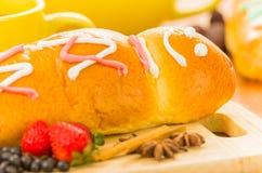Morada y guaguas de pan del colada del plato de Ecuatorian Fotos de archivo