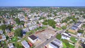 Moradias video da família da vizinhança aérea multi
