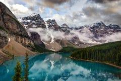 Moraine Canadá del lago foto de archivo libre de regalías