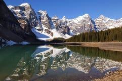 Moraine del lago, sosta nazionale del Banff Fotografie Stock Libere da Diritti