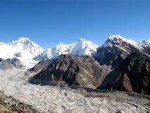 Moraine del passaggio di Chola in Himalaya Fotografie Stock Libere da Diritti