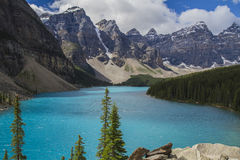 Moraine lake - Banff National Park Canada. The Canadian Rocky mountains and the blue teal water of Moraine Lake Stock Photo
