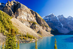 Moraine Lake, Lake Louise, Banff National Park, Alberta, Canada. Moraine Lake is a glacially-fed lake in Banff National Park 14 km outside of Lake Louise stock image
