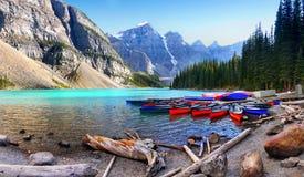 Moraine Lake Louise, Banff NP, Alberta, Canadá Imagem de Stock Royalty Free