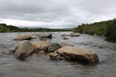 Moraine-Nebenfluss, Alaska Lizenzfreie Stockbilder