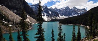Moraine See ` Juwel von Alberta, Kanada ` könnte es gesagt werden, dass dieses einer der schönsten Seen in der Welt ist, die für  lizenzfreies stockbild