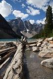 Moraine See in Rocky Mountains lizenzfreie stockfotos