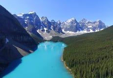 Moraine See von der Luft lizenzfreies stockbild