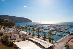 Moraira阿利坎特小游艇船坞nautic口岸高在地中海 图库摄影